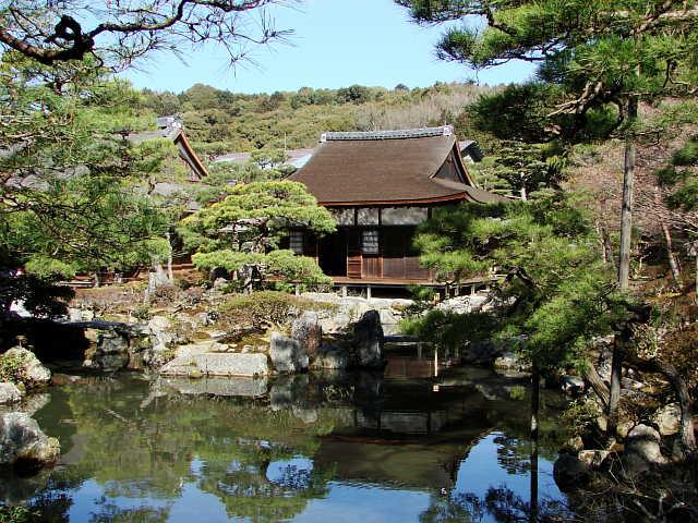 http://tencoo.fc2web.com/jinja/ginkaku12.jpg
