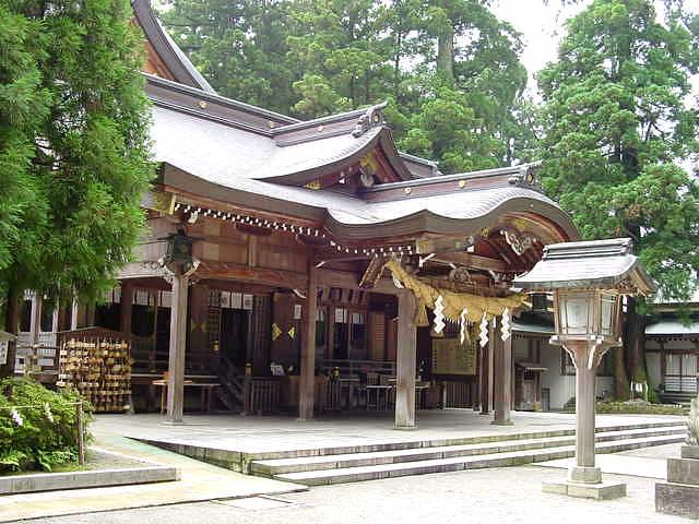 加賀一ノ宮 白山比咩神社 Shirayama-hime Jinja Shrine 天空仙人の神社 ...